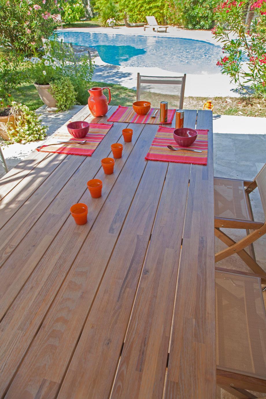 table teck aravis meubles. Black Bedroom Furniture Sets. Home Design Ideas