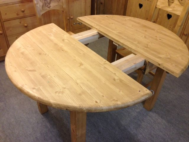 table ronde aravis meubles. Black Bedroom Furniture Sets. Home Design Ideas